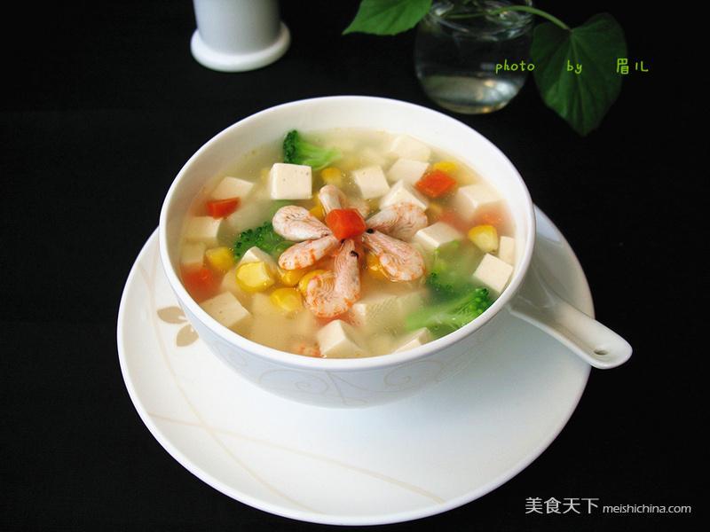 主料嫩豆腐 (适量)速冻玉米粒 (适量)胡萝卜 (适量)西兰花 (适量)