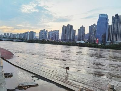 huanghe水位上涨 吕晟jun摄