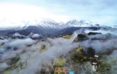 云雾缭绕恍若仙境